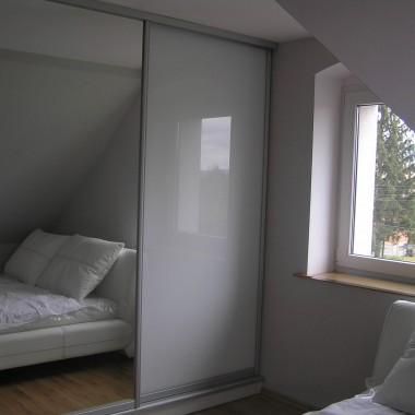 Sypialnia, biała, szara...