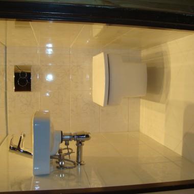 toaleta bez okna -  1,2 m x 0,75 m