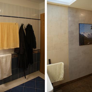 Gres i stiuk na jednej zamieszkały ścianie. Fachowiec trochę pomylił kolor stiuka, ale tak pięknie go położyl, że żal było zrywać.Za drzwiami obrazek z puzzli ułożony przez właścicielkę.Szlafroki i ręczniki suszą się na ciepłym przez cały rok grzejniku obok drzwi.