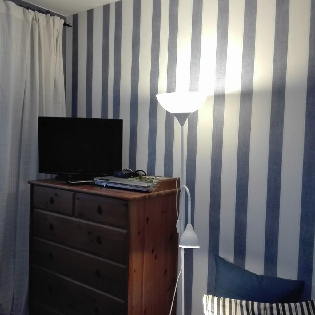 Sypialnia, Metamorfoza mojej sypialni - tapeta w paski- OBI