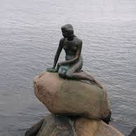 Mała Syrenka - postać z baśni H. Ch. Andersena, jeden z najbardziej znanych symboli miasta