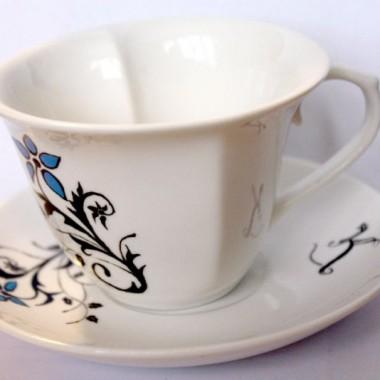 Ręcznie zdobiona porcelana