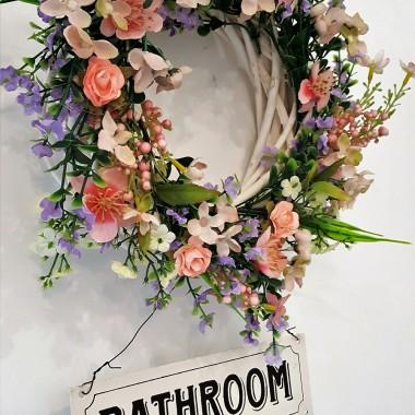 Skromna łazienka skończona, pokój przygotowany do sezonu letniego :) pracy jak zwykle co niemiara , następna w kolejce czeka altanka:) pozdrawiam jak zwykle cieplutko.