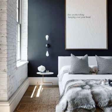 Cegła w sypialni jest świetnym pomysłem. Pomimo surowego, industrialnego charakteru może stworzyć wnętrze ciepłe, przytulne i bardzo gustowne.https://pl.pinterest.com/pin/574771971189461458/