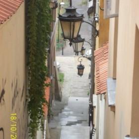 kamienne schodki na Starym Mieście