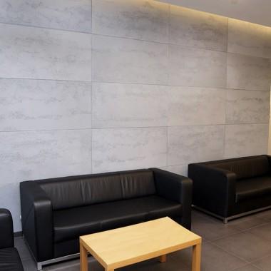 Płyty betonowe Luxum - doskonały pomysł na dekorację ścian.