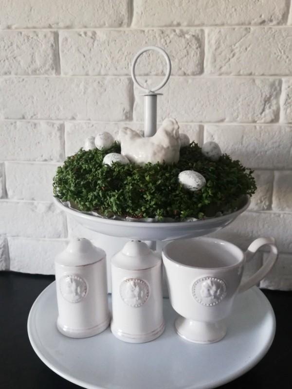 Jadalnia, Wielkanoc z kroplą fioletu