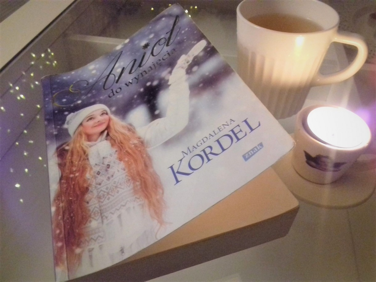 Salon, Ksiązki świąteczne-KOCHAM:) - MOJA UKOCHANA&#x3B;) Anioł do wynajęcia- M.Kordel