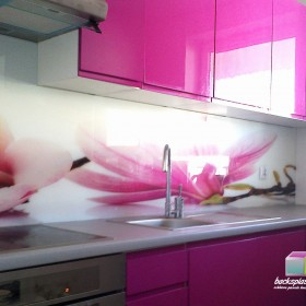 szkło w kuchni, panele szklane