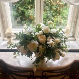 Dekoracje ze sztucznych kwiatów z naszej pracowni