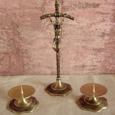 Zestaw na kolęde stojący krzyż dwa świeczniki i 2 świeczki