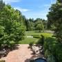 Domy sław, Michelle Pfeiffer sprzedała swoją willę - Cała posiadłość, na której znajdują się również szlaki jeździeckie ma aż trzy i pół hektara. Sam dom ma natomiast prawie 600 metrów kwadratowych.  źródło: IMP FEATURES/East News