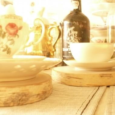 .............i podkładki na stole..............