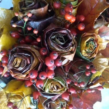 """podczas jesiennych spacerów po osiedlu, lesie, parku czy babcinym ogrodzie zbierałam z dzieciaczkami dary jesieni, wiele z nich """"poszło"""" do przedszkola, a z tych które zostały powstały dekoracje do domu..."""