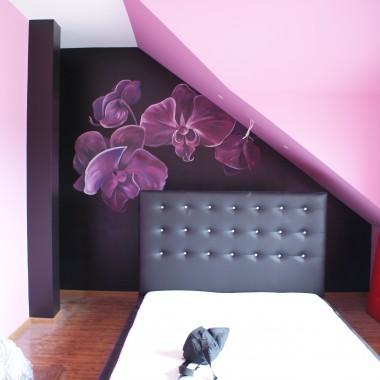 na ścianie malowane