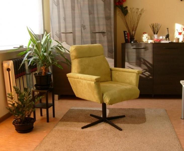 Pozostałe, 2. - Fotelik który samodzielnie wykonalem. Krzesełek, bardziej krzeseł juz nie ma:) I jest nowy kwietnik