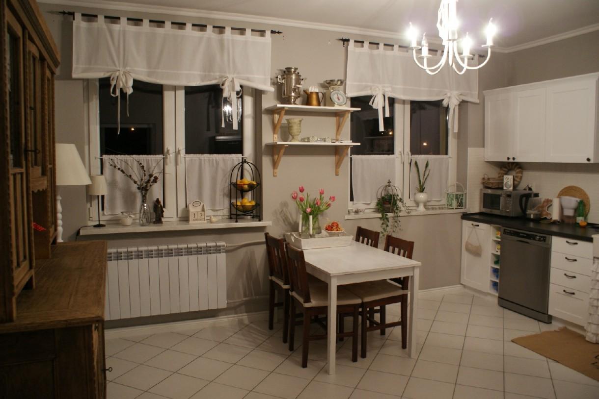 Pozostałe, delikatnie odmieniona - a tak wygląda kuchnia z zapełnioną ścianą