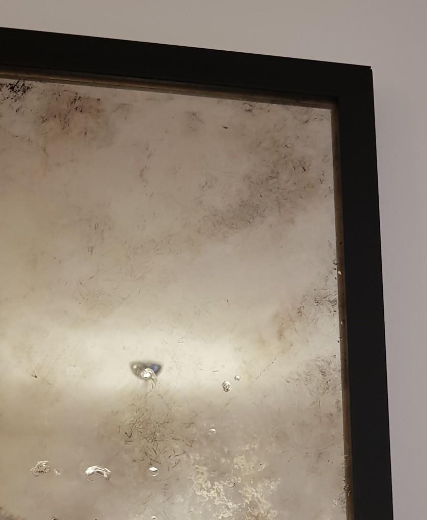 Salon, Lustra postarzane / antyczne - Prezentujemy nasze lustrzane realizacje . Własnoręcznie nalewamy srebro w roztworze na szkło tworząc kryształową tafle lustra a następnie ręcznie postarzamy lustra wg indywidualnych pomysłów. Wszystkie lustra postarzane/ antyczne są ręcznie wykonane w odcieniach chłodnych, ciepłych oraz kolorowych ;) Wiecej o nas na stronie www.lustrapostarzane.com.pl