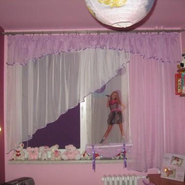 Pokoik córki - mała zmiana okna, firanki, zasłonki