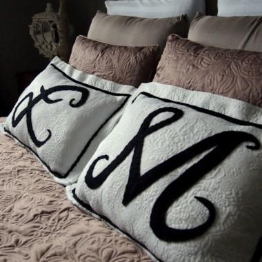 poduszki z chodnika łazienkowego z ciucholandu&#x3B;)