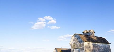 Transformacja starej stodoły w przytulny dom