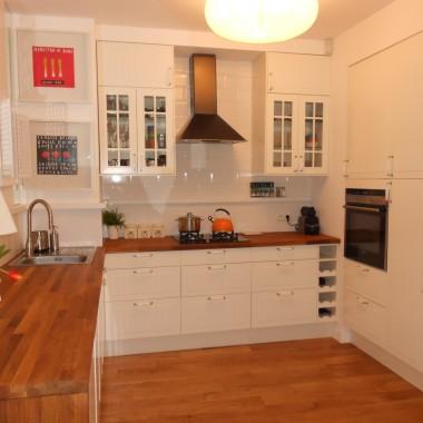 Kolejne ujęcie kuchni. Wykorzystaliśmy większość szafek z poprzedniej kuchni a resztę dokupiliśmy - zaleta IKEA.