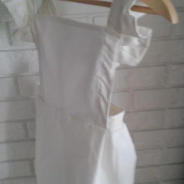Klasyczny retro biały.