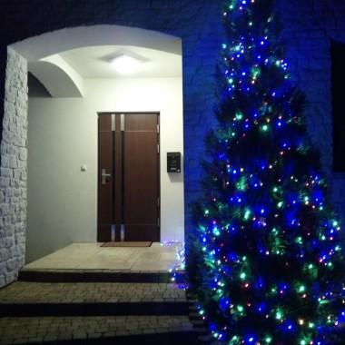 Nie miałam zamiaru dodawać teraz galerii, bo nie mogę zrobić tak ładnej bożonarodzeniowej jak inni...ale nie mogłam Wam, drogie Dekorianki i Dekorianie nie złożyć życzeń w tak pięknym czasie.Życzę, aby każdy znalazł swoje miejsce na ziemi...bezpieczne i piękne...Chciałabym, aby każdego, kto z sercem zajmuje się swoim domem, Bóg obdarzył łatwością w ustawianiu mebli i dobieraniu koloru ścian.No i dobrych i tanich fachowców życzę. Wszystkiego najlepszego w Nowym Roku 2019. Do miłego.Teri