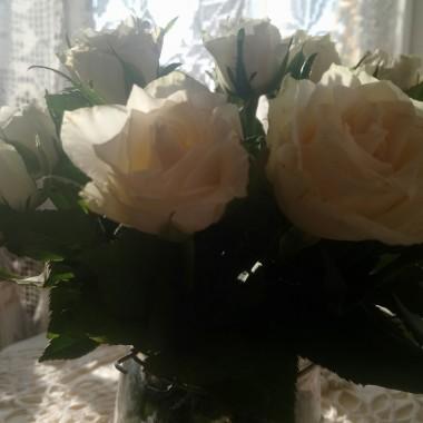 ................i białe róże................