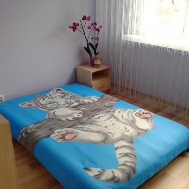 Sypialenka...czyli mały pokój. Całe 9 m2 :)