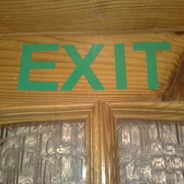 napisik na drzwiach wewnatrz