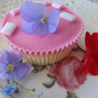 Majowa, kwiatowa, serduchowa,ze słodkościami na Dzień Matki....