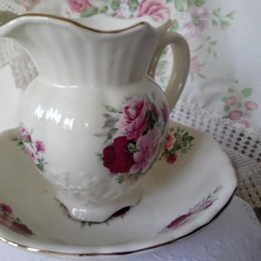 ..........i mój nowy nabytek w angielskie róże..........