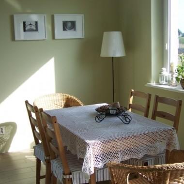 Magosinek doradziła coś białego na stół - nie trzeba dwa razy mi powtarzać:)