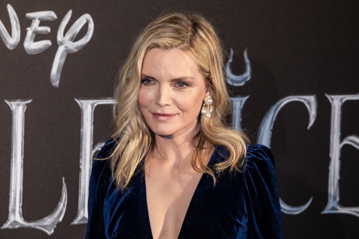 Domy sław, Michelle Pfeiffer sprzedała swoją willę - Michelle Marie Pfeiffer – amerykańska aktorka i producentka filmowa, modelka. Jedna z największych gwiazd kina amerykańskiego.  źródło: SOPA Images/Sipa USA/East News