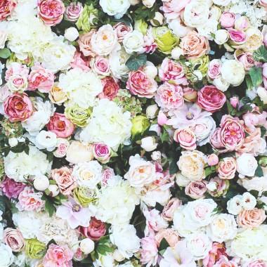 Mili, w naszej pracowni tendom wciąż powstają śliczne kwiatowe ozdoby ze sztucznych kwiatów - tym razem kolekcja Maria Antonina - idealna do udekorowania przyjęcia weselnego, ślubu, komunii, chrzcin, itp.Mamy od niedawna także wypozyczalnię dekoracji - nie trzeba ich u nas kupować, wystarczy zadzwonić, napisać, a my je Wam udostępnimy odpłatnie na czas przyjęcia. Dziewczyny z tenDOM