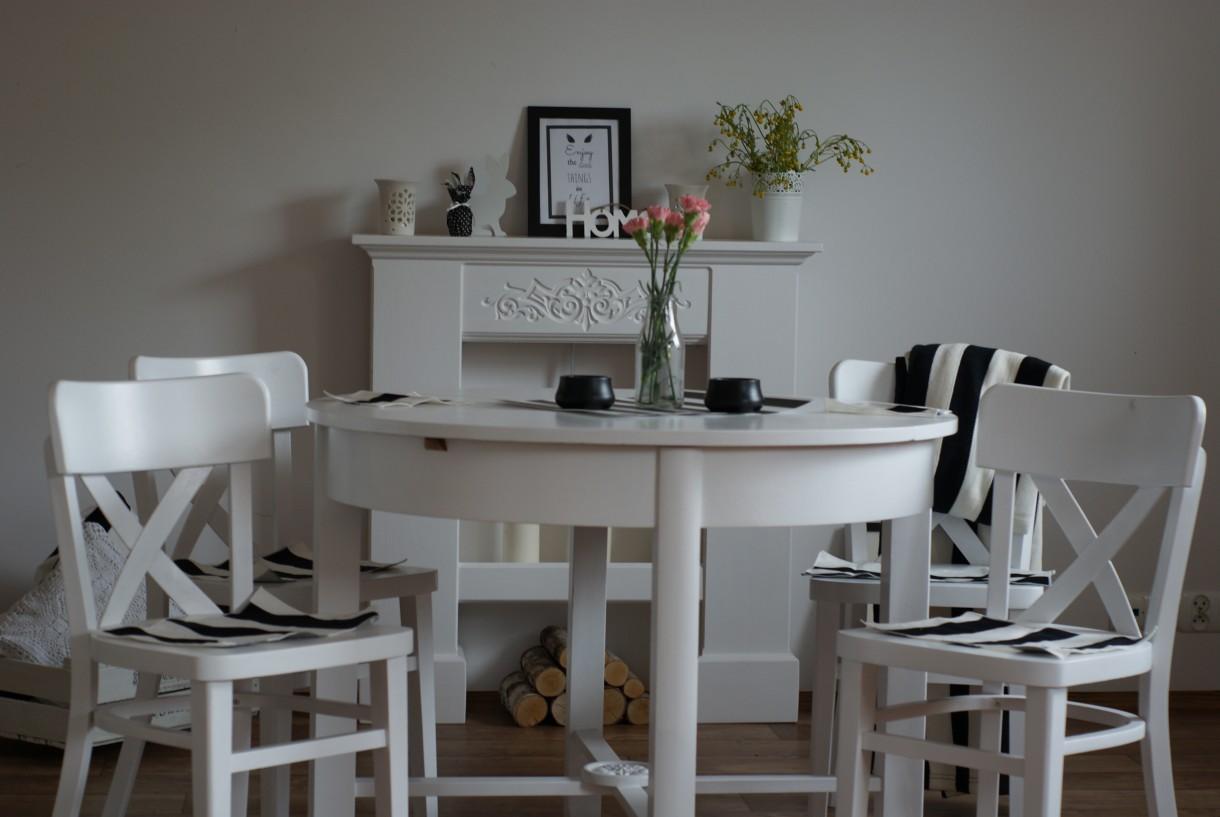 Pozostałe, Stół stolik stoliczek - http://olx.pl/oferta/prowansja-okragly-stol-rozkladany-z-krzeslami-CID628-ID5V5en.html