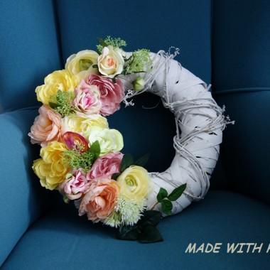 Wianki i kompozycje kwiatowe