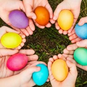 Barwienie jajek - naturalne i domowe sposoby