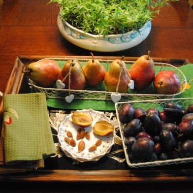 To akurat się jesieni udało :) ...uwielbiam gruszki i śliwki :)