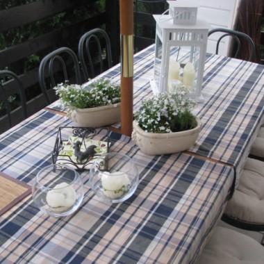 letni stół w dzień powszedni