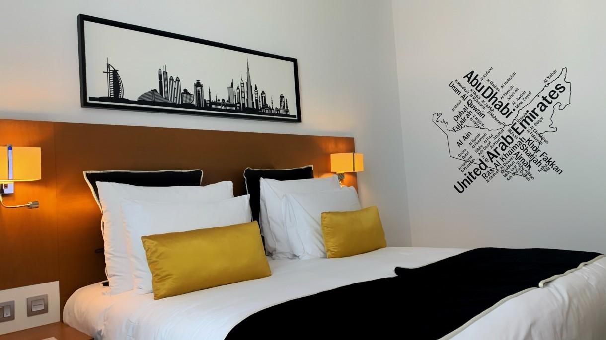 Sypialnia, Z dodatkiem drewna