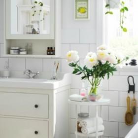Znajdź miejsce na wszystko, czyli jak urządzić niewielką łazienkę