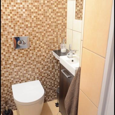 Maleńka toaleta po zmianie.