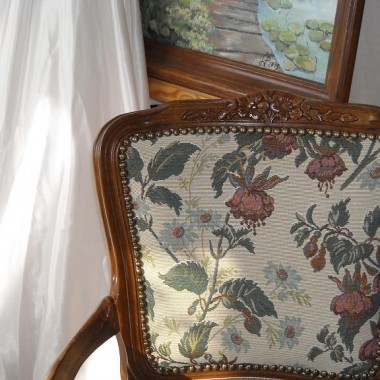 ..........i krzesełko , fotel ..................