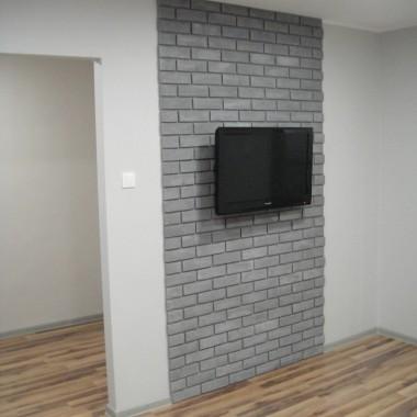 ścianka z cegieł pod tv