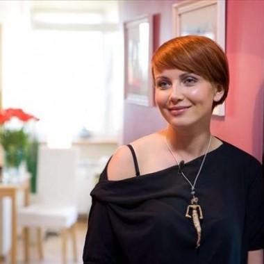 Katarzyna Zielińska (ur. 29 sierpnia 1979 w Limanowej) – polska aktorka i wokalistka.