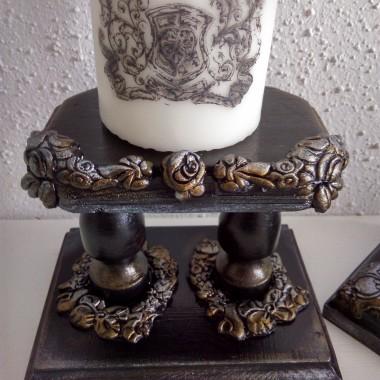 Witam,dzisiaj do kompletu lustra z poprzedniej galerii zrobilam/ozdobilam konsolę , i jeszcze świeczniki, czerń ze złotem i srebrem przypadła mojemu mężowi do gustu