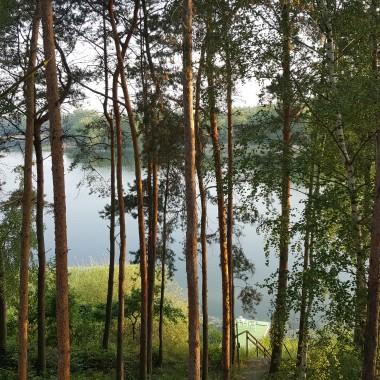 Z tęsknoty za latem ,na przekór zimie,  przedstawiam kilka zeszłorocznych zdjęć z mojej działki nad pięknym dużym jeziorem ...Już nie mogę  doczekać się  kolejnych wyjazdów... przy okazji  pozdrawiam wszystkich z Deccorii