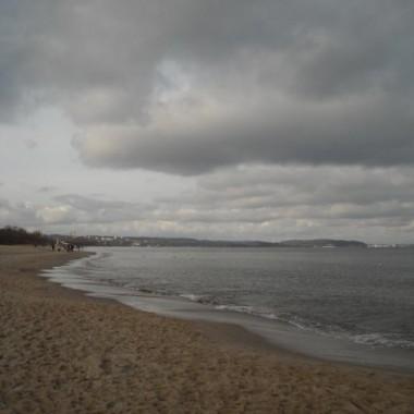Morze w listopadzie też może być piękne................zapraszam na spacer brzegiem morza .....................